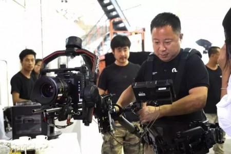 如影2首次在中国大陆地区亮相,影视大咖们是如何评价这款新产品的?