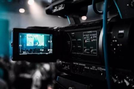 资深制片人点评年度两大摄像机黑科技!EOS C200 VS URSA Mini Pro 4.6K