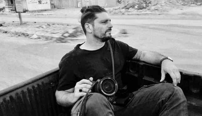徕卡相机挡住榴弹碎片,救了战地摄影师一命