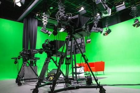 走在行业前端的企业虚拟演播室