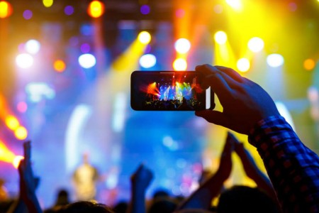 手机拍摄抖到不成怎么破?或许这三招能帮到你