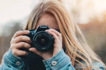 手机摄影师们,你们认为应该升级到专业相机了吗?