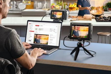 有Video Assist 3G和12G HDR的同行,你们能将它升级为直播摄像头了