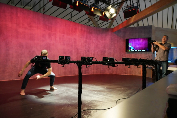 CES2018:索尼发布迷你黑卡RX0专用相机控制盒