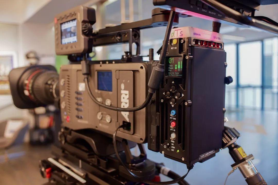 如何将阿莱电影摄影机变身现场直播讯道机
