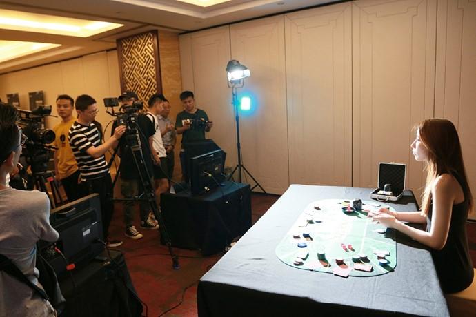 """索尼""""帧质卓现""""CineAltaV电影摄影机上海站线下活动采用南光灯具做灯光设计"""