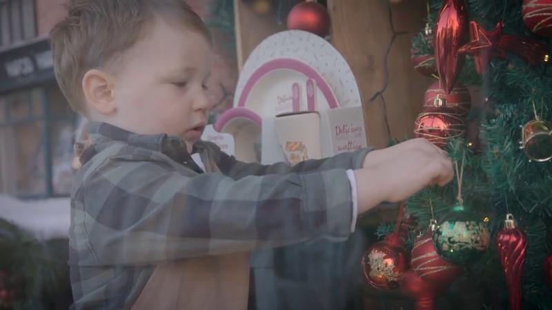 被五金店耽误的导演!130美元拍成火遍圣诞季的暖心广告片