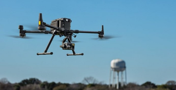 我们能从大疆新出的Matrice 300 RTK上看到未来影视无人机的影子吗?