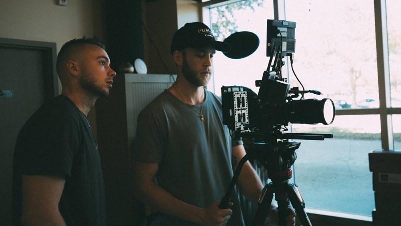 在狭小空间中拍摄视频,都有哪些技巧