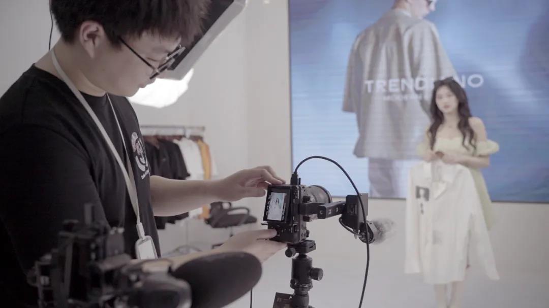直播画质 3.0 时代,看头部玩家们如何玩转电影感直播